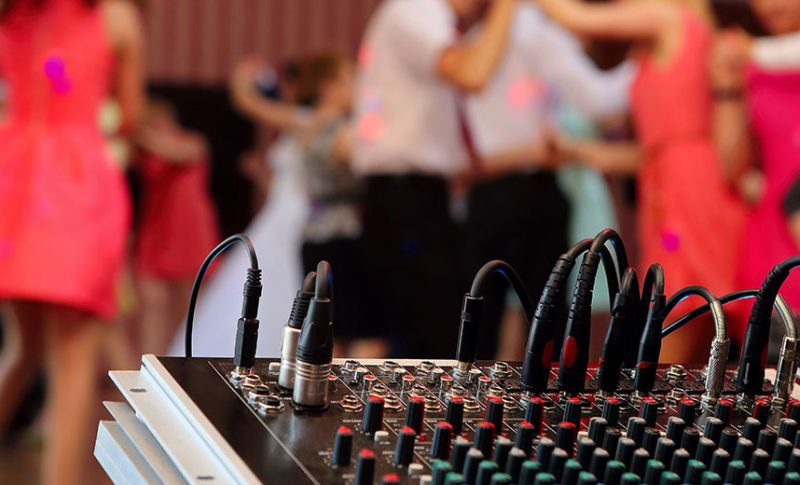 dj checklist for your wedding